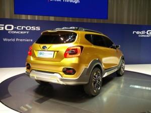 Datsun-GO-Cross-Concept-rear-three-quarter-unveiled-900x675